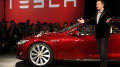 Elon Musk duyurdu: Tesla'da flaş gelişme!