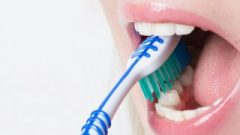 Türkiye'nin yüzde 74'ü dişlerini fırçalamıyor